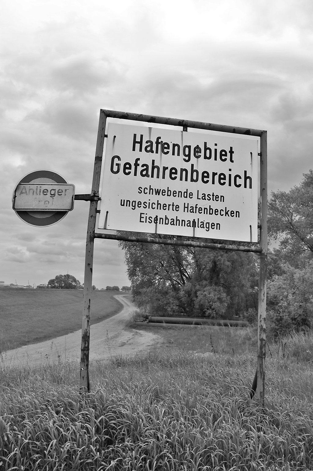 2013 Die Unterweser zwischen Bremen-Seehausen und der Moorlosen Kirche Foto: Christian Winterstein